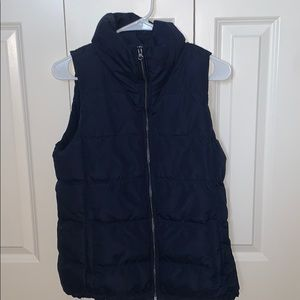 Barely worn, super warm and clean puffer vest!